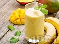 Смути с манго, банан и бадемово мляко